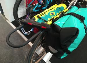 alforja-bicicleta-con-candado-portabultos